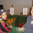 Beim Obstbau Menzel in Stolpen erlebten die Kinder die Apfelernte.