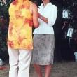 Eine Rose zur Begrüßung für Frau Reinhardt. .und Frau Haufe